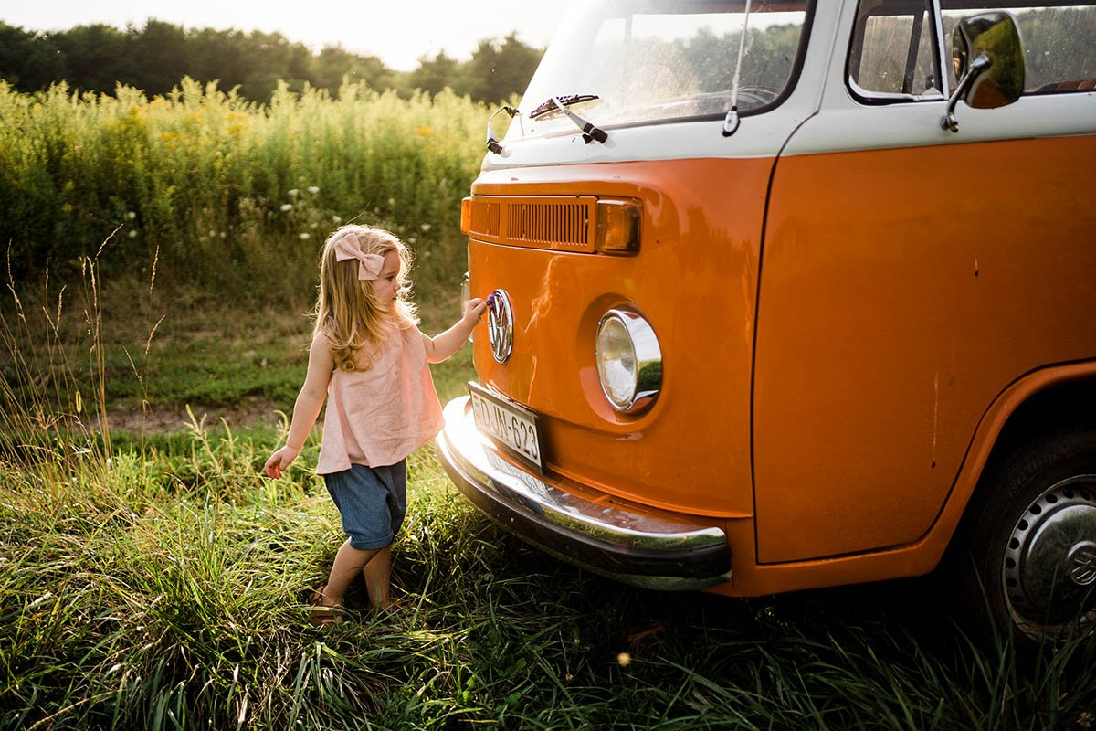 dreamwolrdphotohu-naplemente-aranyora-gyerekfotozas-volkswagen