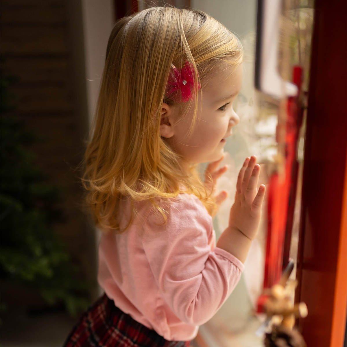 karácsonyi fotózás ablaknál
