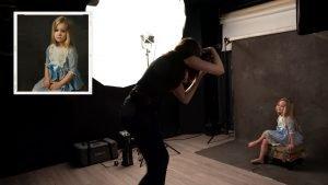 Portréfotózás stúdióban led világítással (fine art inspirálta gyerekportré)